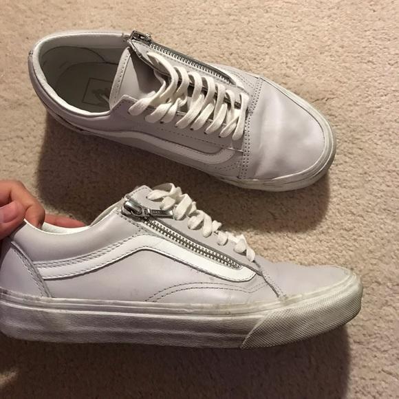 ed8bb268a9a004 Final price Old skool vans low top shoes. M 5c7770032beb798deb4fec9d